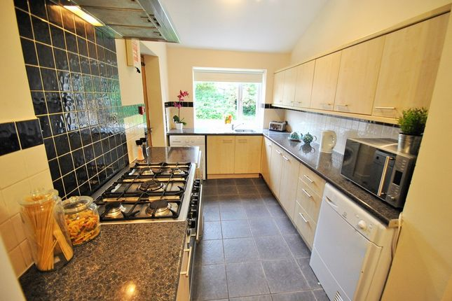 6 bed semi-detached house to rent in Collingwood Road, Manchester