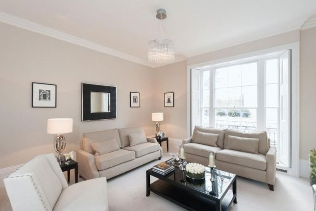 Thumbnail Property to rent in Chester Place, London