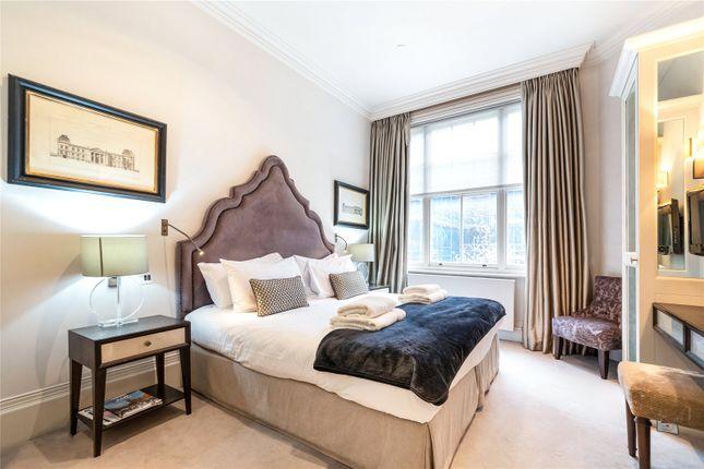 Bedroom of Green Street, Mayfair, London W1K