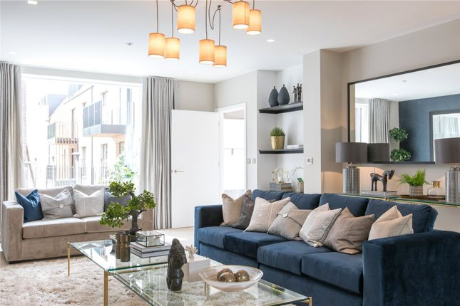 Thumbnail Semi-detached house for sale in The Avenue, Woodside Square, London