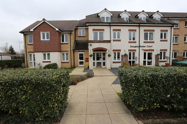 Thumbnail Flat to rent in Howth Drive, Woodley, Reading