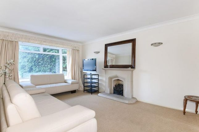 Thumbnail Detached house to rent in Dukes Close, Gerrards Cross