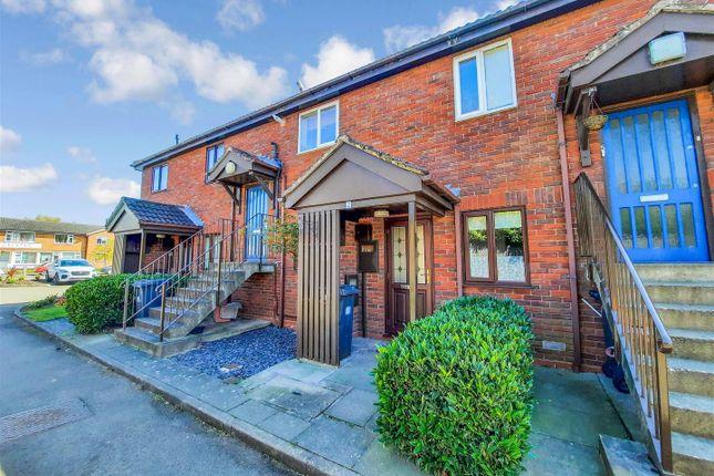 Flat for sale in Walnut Drive, Lillington, Leamington Spa