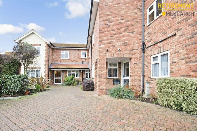 Thumbnail Flat for sale in Heath Lodge, Benfleet