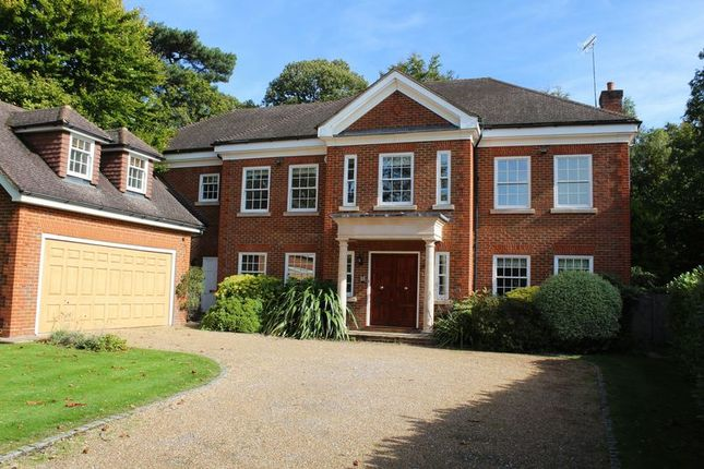 Thumbnail Property for sale in Woodside Road, Cobham
