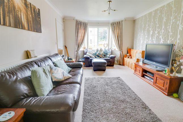 Lounge of Guardian Avenue, North Stifford, Grays RM16