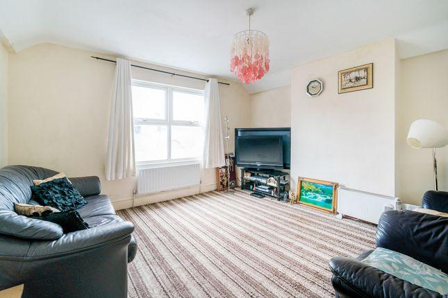 Thumbnail Flat for sale in Godstone Road, Caterham