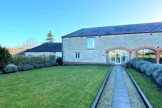 4 bed barn conversion to rent in Church Lane, Kirkby Green, Lincoln LN4
