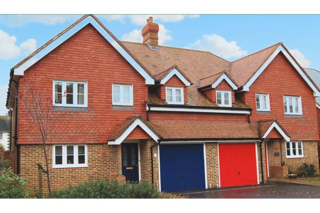 Thumbnail Semi-detached house to rent in The Lyndons, Liphook
