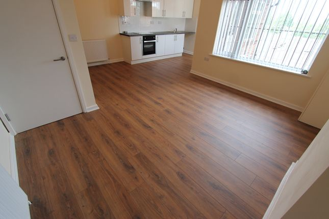 2 bed flat to rent in Hawthorn Road, Birmingham