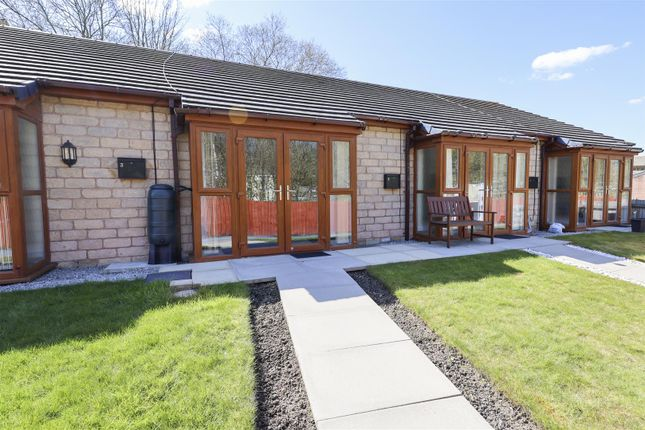 1 bed terraced bungalow to rent in Riverside Bungalows, Hill End Lane, Rawtenstall, Rossendale BB4