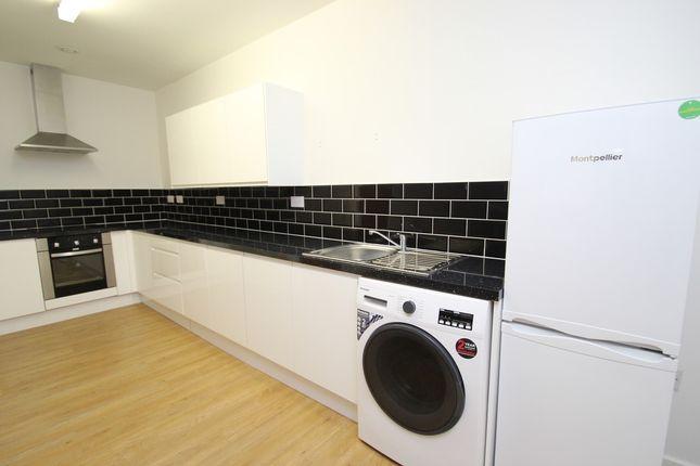 Thumbnail Flat to rent in Sunbridge Road, Bradford