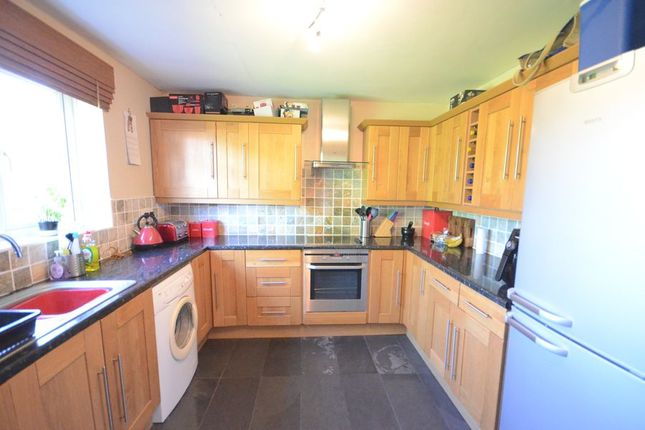 Thumbnail Maisonette to rent in Mill Green, Caversham, Reading