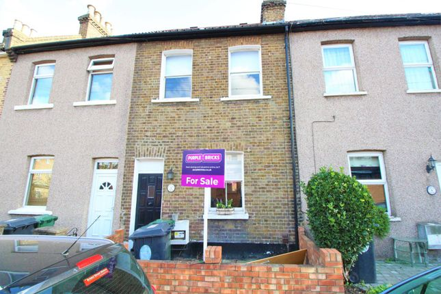 Thumbnail Terraced house for sale in Forest View, London