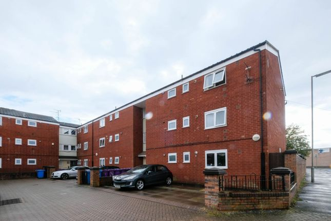 Flat for sale in New Red Rock View, Liverpool