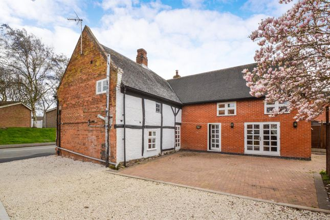 Thumbnail Cottage for sale in Thorpe Acre Road, Loughborough