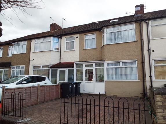 Thumbnail Terraced house for sale in Larmans Road, Enfield