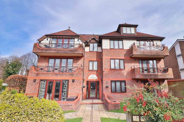 Thumbnail Flat for sale in Kings Chase View, The Ridgeway, Enfield