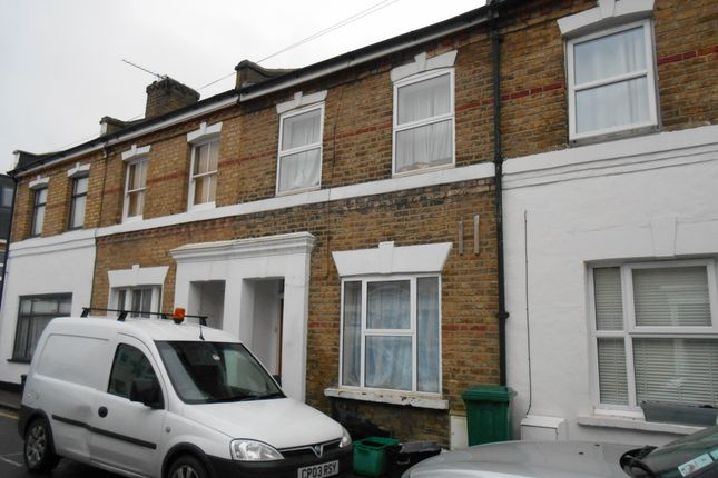 Thumbnail Semi-detached house to rent in Devonshire Square, Bromley