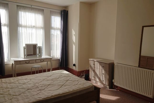 Thumbnail Room to rent in Goldsmith Avenue, Southsea