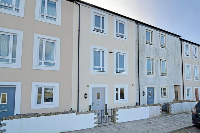 Thumbnail Terraced house for sale in Foundry Road, Camborne