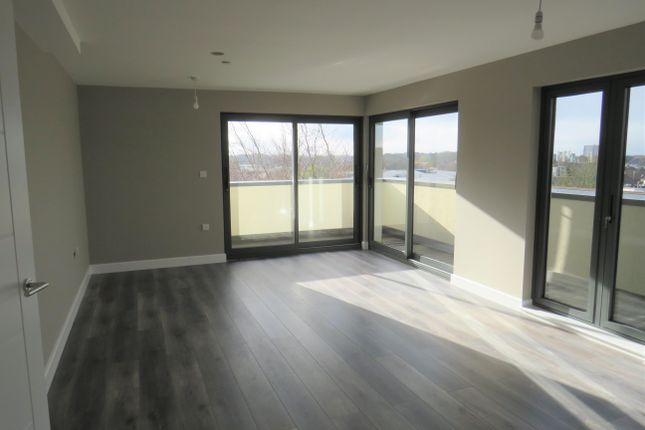 Thumbnail Flat to rent in Great North Road, Hatfield