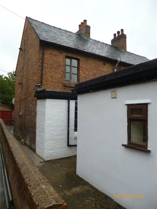 1 bed flat to rent in Bank Street, Llanfyllin, Powys SY22