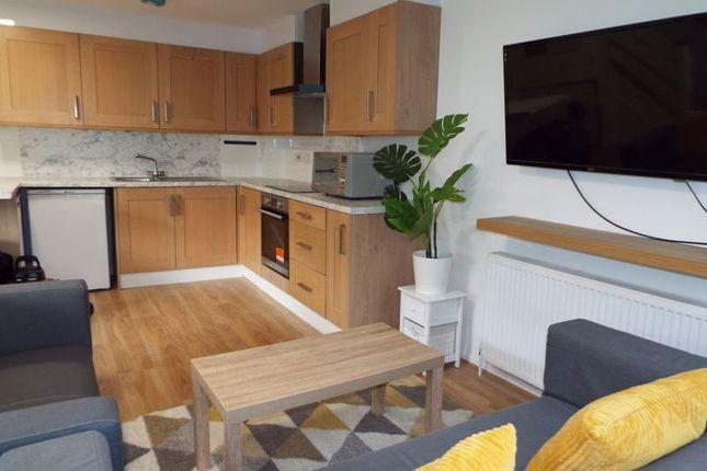 5 bed terraced house to rent in Fairgreen Way, Selly Oak, Birmingham B29