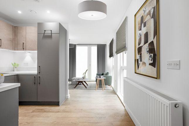 1 bedroom flat for sale in Kenavon Drive, Reading