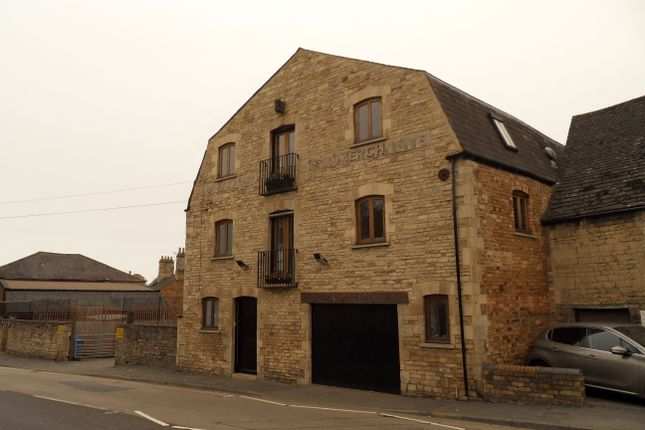 Thumbnail Flat to rent in North Street, Stamford
