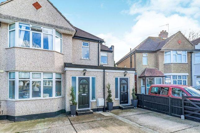Thumbnail Studio to rent in Selwood Road, Chessington