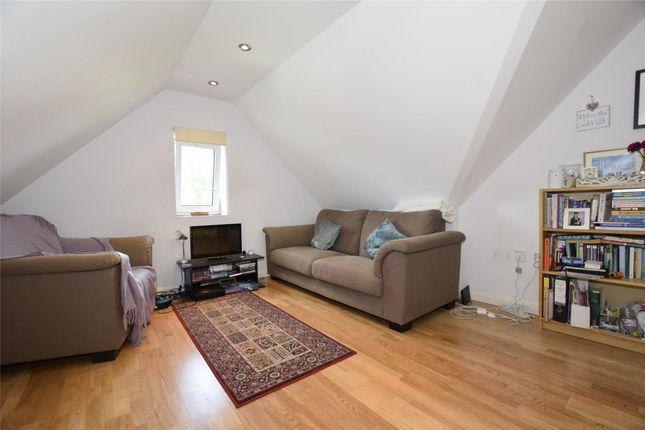 Thumbnail Flat to rent in Llanvanor Road, Golders Green