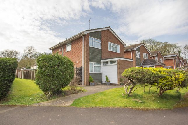 Thumbnail Detached house for sale in Chestnut Close, Waddesdon, Aylesbury