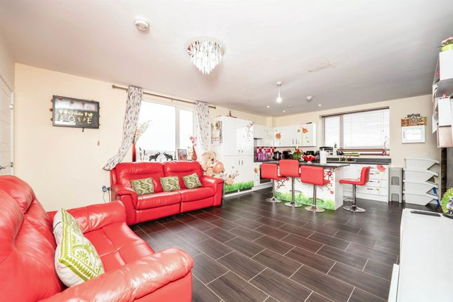 3 bed penthouse for sale in Artisan Place, Harrow HA3