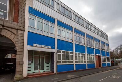 Office to let in & G08, Carne House, Parsons Lane, Bury