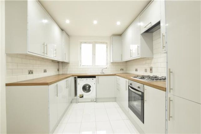 Thumbnail Detached house to rent in Lakehall Road, Thornton Heath
