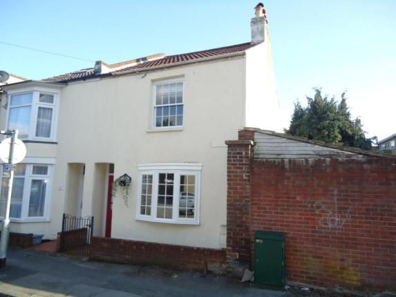 2 bedroom end terrace house for sale in Middle Street, Southampton