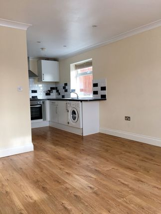 1 bed flat to rent in Commonwealth Road, Caterham CR3