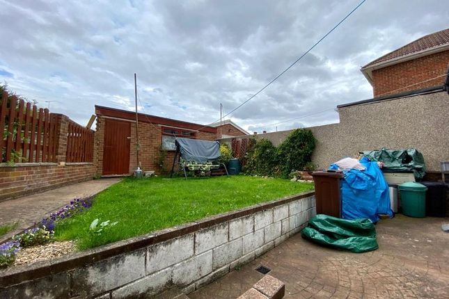 Picture No. 18 of Snelling Avenue, Northfleet, Kent DA11