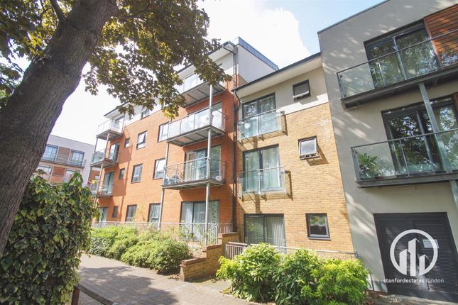 Thumbnail Flat to rent in Desvignes Drive, London