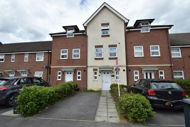 Thumbnail Town house for sale in Hansen Gardens, Hedge End, Southampton