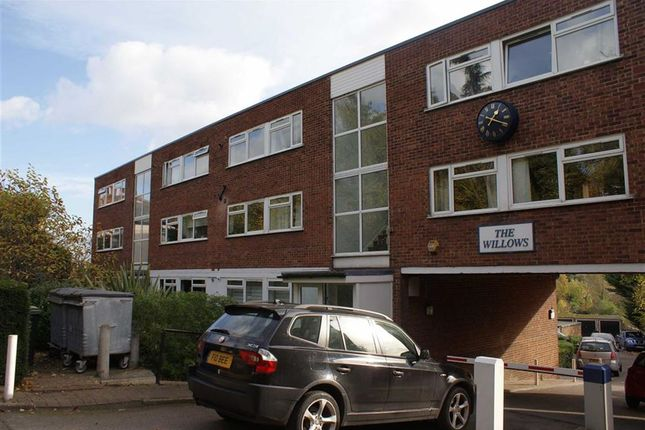 2 bed flat to rent in The Willows, 63 High Road, Loughton