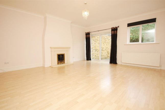 Thumbnail Terraced house to rent in Percy Road, Hampton