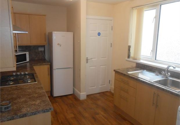 Thumbnail Shared accommodation to rent in Oxford Street, Sandfields, Swansea