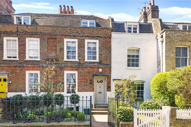 Thumbnail Property for sale in Pond Square, London