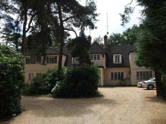 Thumbnail Flat to rent in Sandhurst Road, Finchampstead, Wokingham