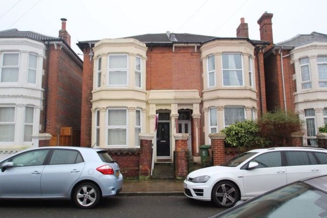 Thumbnail Flat to rent in Albert Grove, Southsea