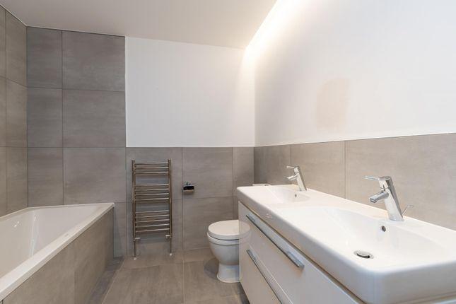 Bathroom of Wordsworth Court, Laureate Gardens, Henley-On-Thames RG9