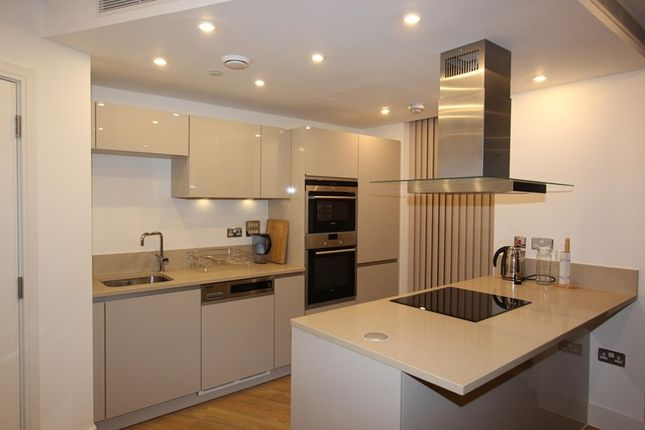 Thumbnail Flat to rent in Ontario Point, Surrey Quays Road