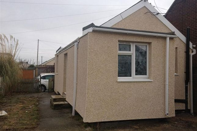 Thumbnail Detached bungalow to rent in Humber Avenue, Jaywick, Clacton-On-Sea